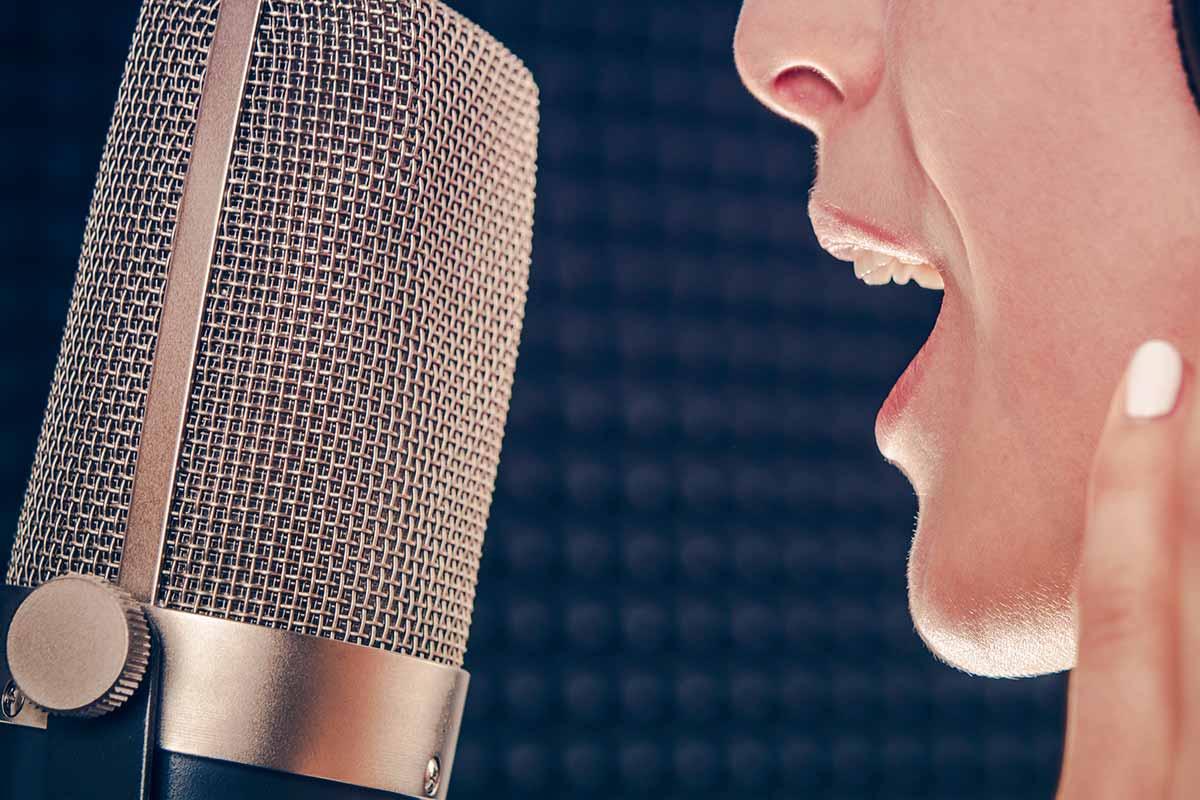 Eine schöne Stimme zeigt Wirkung